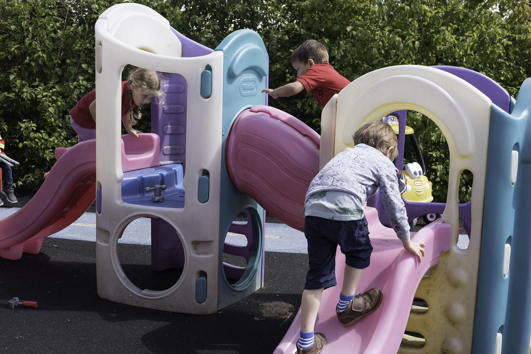 Puddleducks preschool mulbarton climbing frame